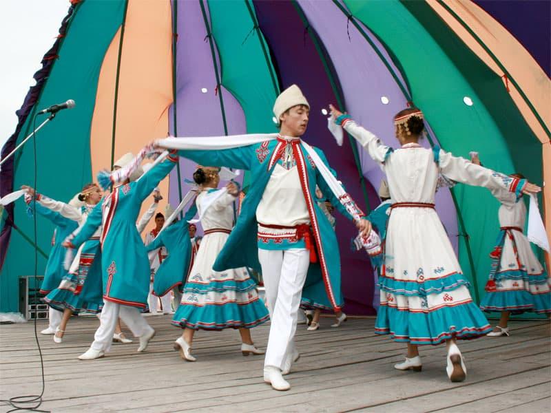 Об истории  танца восточных мари  «Веревочка»