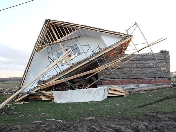 2 мая 2013 года в Мишкино прошел ураганный ветер