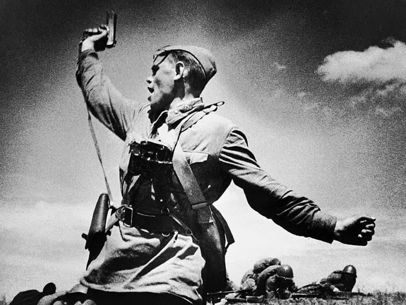 Самая известная фотография солдата Великой Отечественной