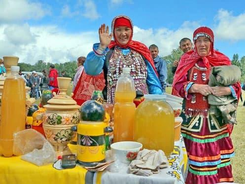 В Бурзянском районе Башкирии прошел международный фестиваль местного меда