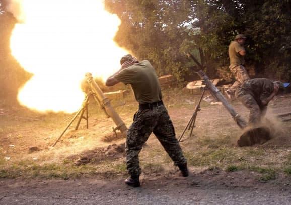 Украинские силовики бьют по ополченцам из укреплений фашистов времен второй мировой войны