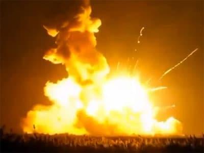 В США при старте взорвалась ракета-носитель