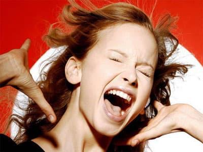 Ученые выяснили, почему человек плачет от счастья