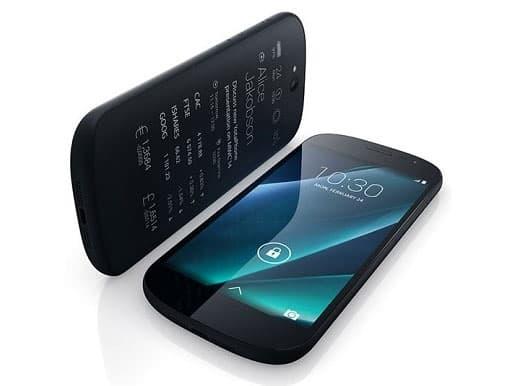 Новый смартфон от российских разработчиков YotaPhone 2 представили в Москве