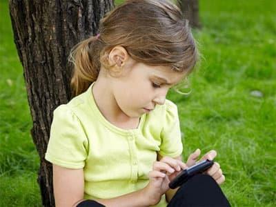Смартфоны и компьютеры вызывают у детей сонливость и усталость