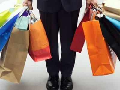 В ноябре россияне тратили в магазинах 581 рубль