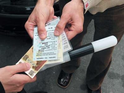 В Башкирии водителя приговорили к штрафу в 75 тысяч рублей за дачу взятки инспектору ДПС