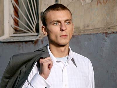 В ночном клубе Москвы избили звезду сериала «Солдаты»