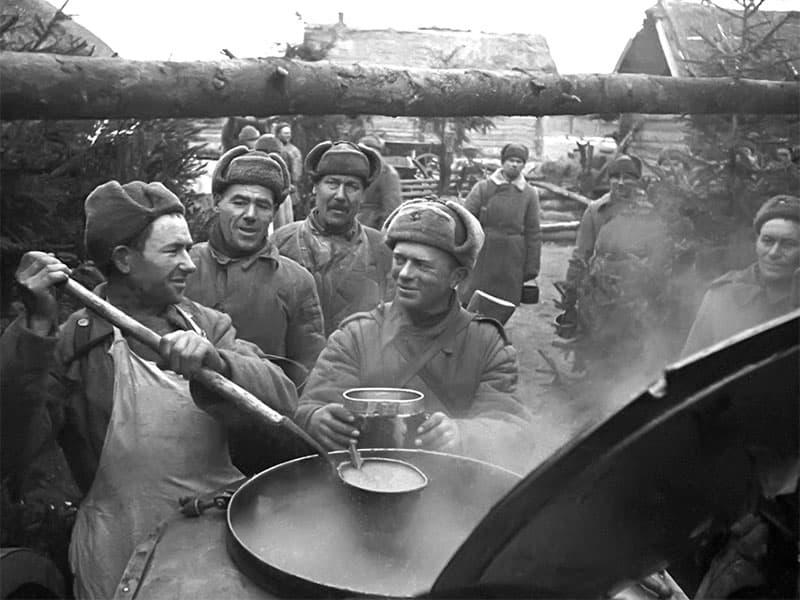 Чем кормили солдат в Великую Отечественную войну