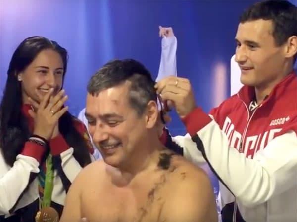 Олимпийский чемпион из Башкирии Тимур Сафин наголо обрил своего тренера (видео)