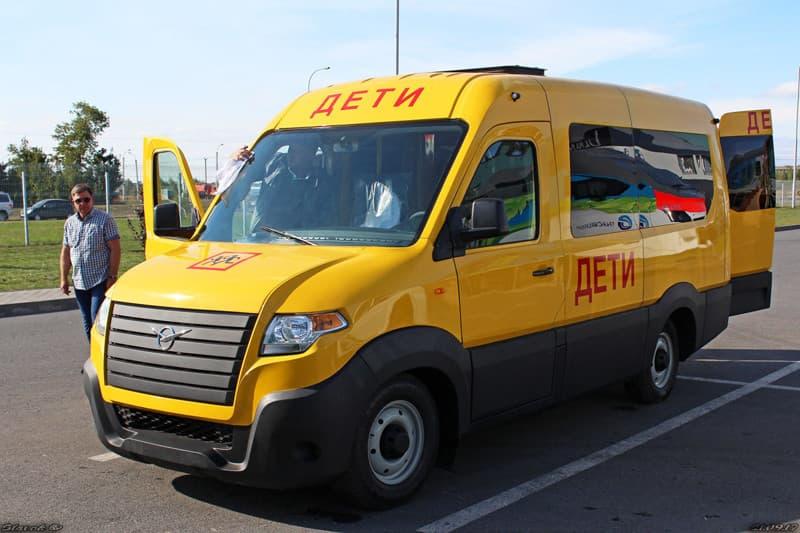 Появились первые фото нового микроавтобуса УАЗ