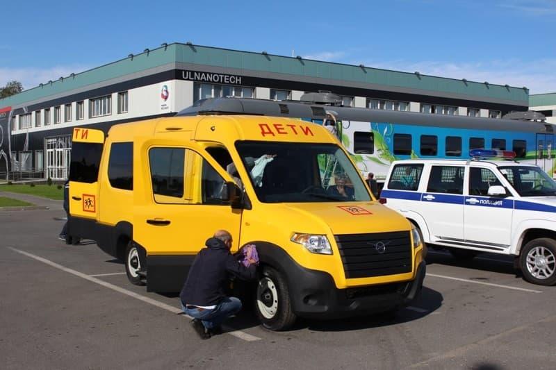 Размещены фотографии нового микроавтобуса УАЗ, который сегодня покажут Путину вУльяновске