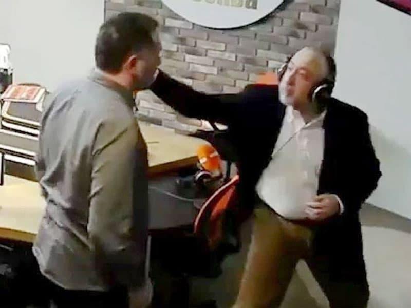 Николай Сванидзе подрался с Максимом Шевченко в прямом эфире радио «Комсомольская правда»