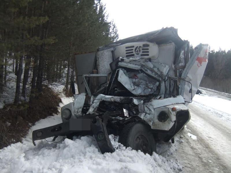В Белорецком районе произошла страшная авария двух грузовиков