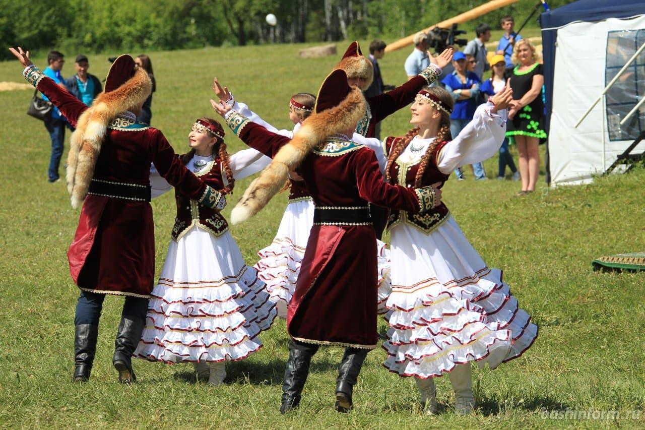 В Башкирии утвердили график проведения Сабантуев