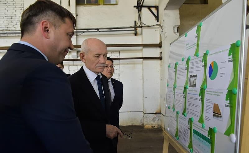 Рустэм Хамитов посетил производственные и инфраструктурные объекты Сибая