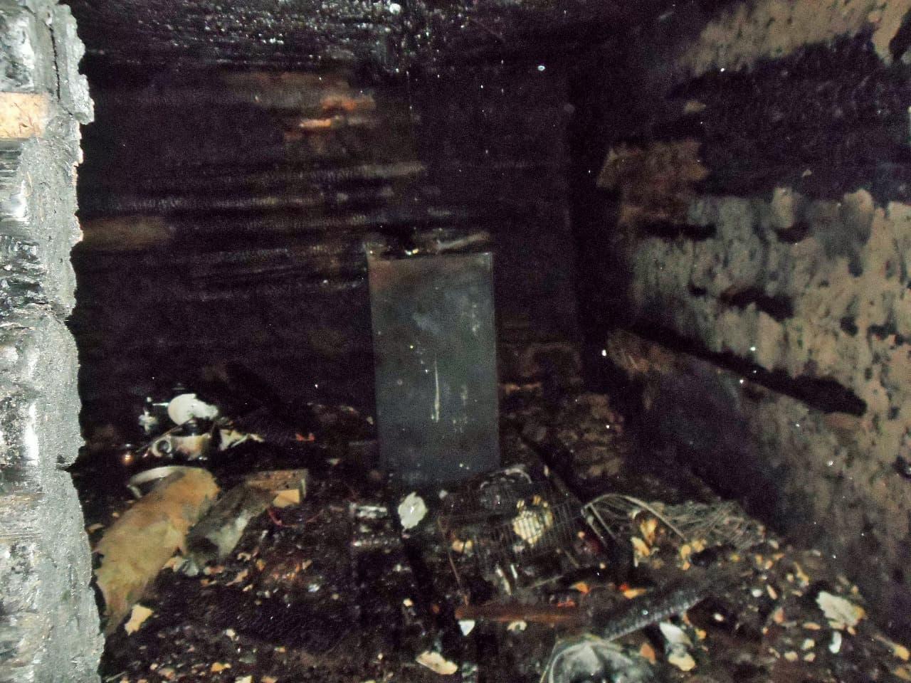 В Башкирии мужчина, пытаясь потушить полыхающий дом, получил серьезные ожоги