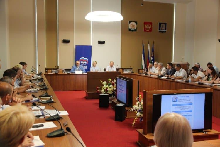 В городе Октябрьском обсудили изменения пенсионной системы
