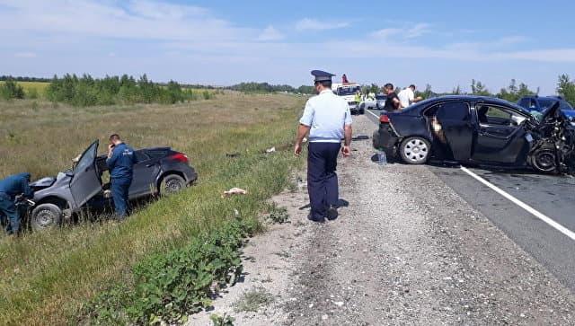 В ДТП под Оренбургом погибло четыре жителя Башкирии, пятерым потребовалась помощь медиков