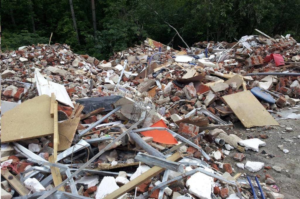 В Уфе прокуратура заставила городские власти очистить территорию от строительного мусора