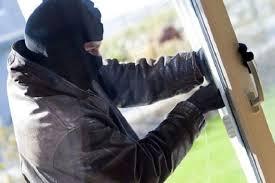 В Кумертау преступник с разницей в несколько минут ограбил два магазина