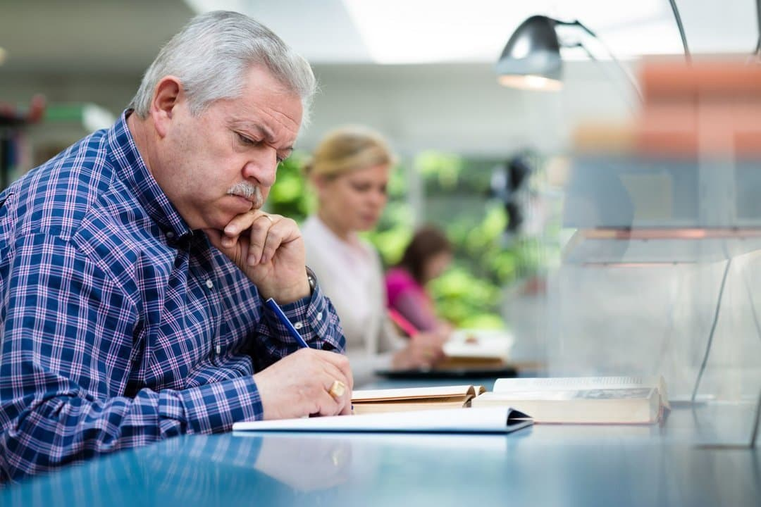 Предпринимателей пенсионного возраста освободят от взносов в ПФР