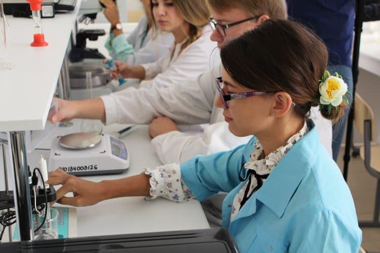 В Стерлитамаке открылась лаборатория для изучения микробиологии, биотехнологии и  биохимии