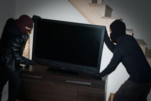 В Иглинском районе двое мужчин похитили телевизор