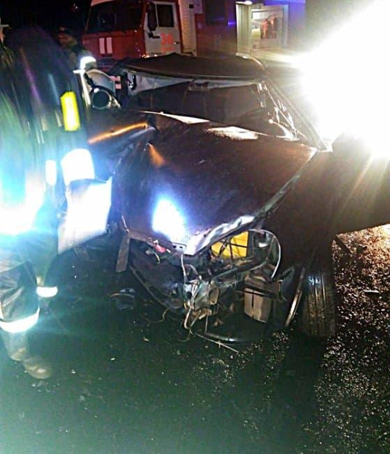 В Салавате легковушка врезалась в грейдер: погиб пассажир