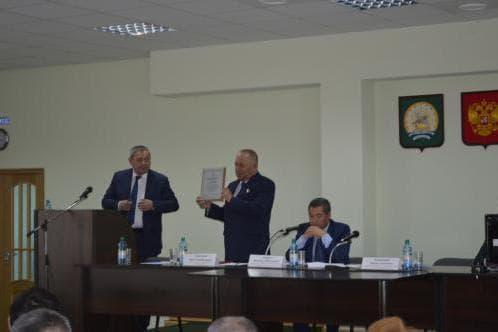 В Абзелиловском районе глава администрации Рим Сынгизов досрочно сложил полномочия