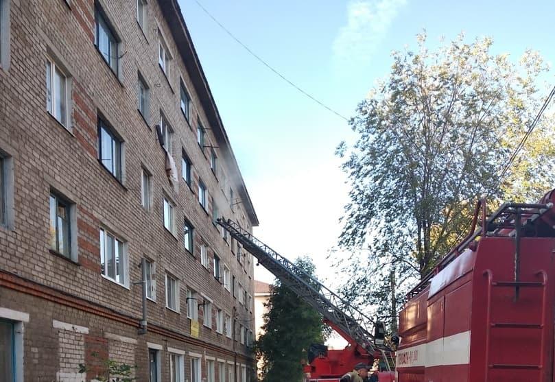 В Стерлитамакском районе случился пожар в общежитии