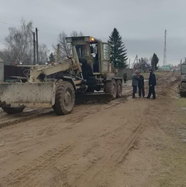 В Мишкинском районе недавно отремонтированная дорога стала непроходимой