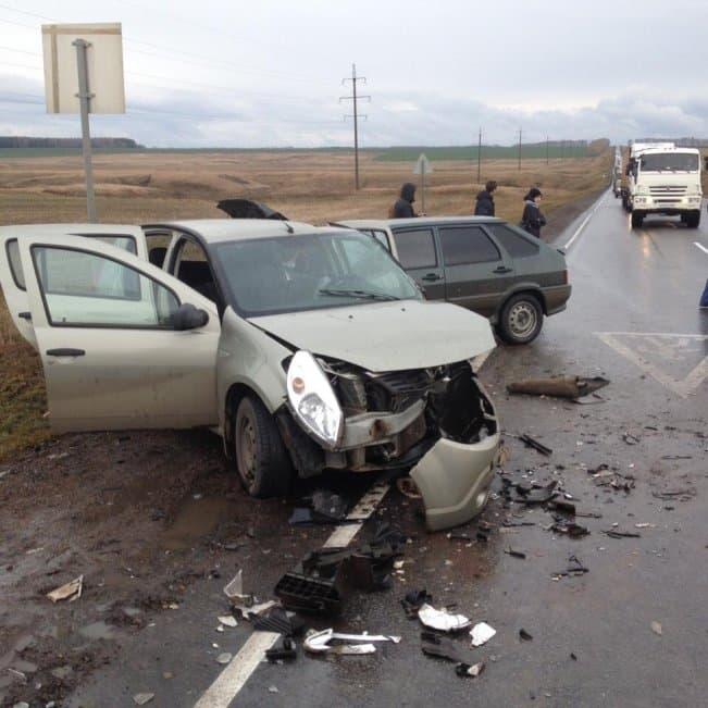 В Дюртюлинском районе в ДТП с участием трех авто пострадали 5 человек