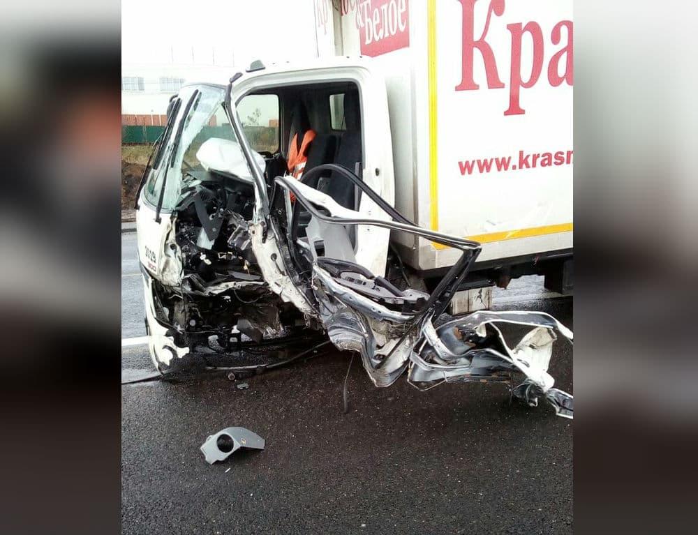 В Аургазинском районе «семерка» лоб в лоб столкнулась с грузовиком