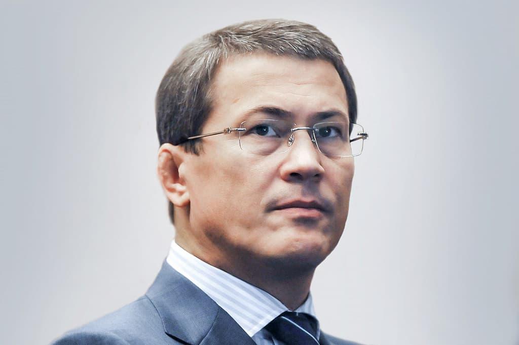 Радий Хабиров обязал госслужащих зарегистрироваться во всех соцсетях