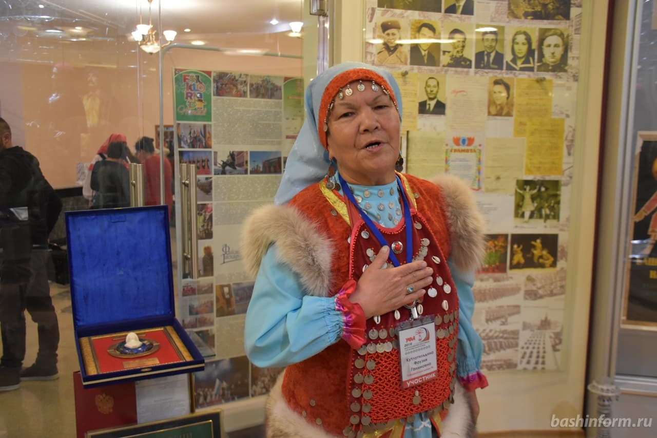 Сэсэния Гафурийского района благословила в стихах Радия Хабирова