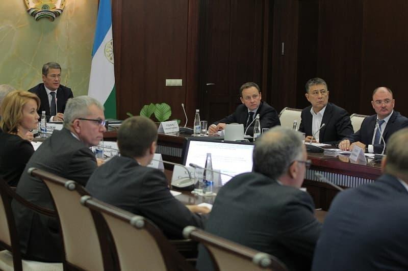 Радий Хабиров пригрозил увольнением руководителю ГИБДД Динару Гильмутдинову