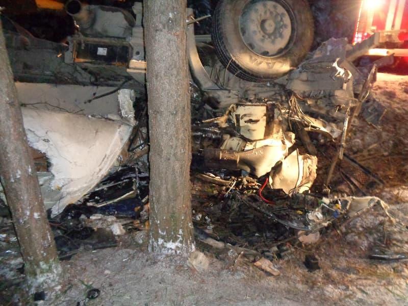 В Белорецком районе погиб водитель фуры: он не справился с управлением и вылетел в кювет