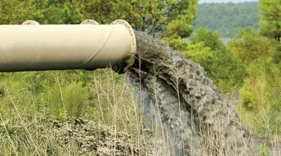 В Илишевском районе из-за старого очистного оборудования часть стоков сбрасывалось в реку