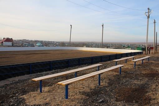 В Хайбуллинском районе местный комбинат помог отремонтировать хоккейную площадку