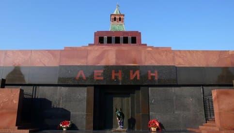 Депутаты предложили заменить тело Ленина в мавзолее резиновой куклой