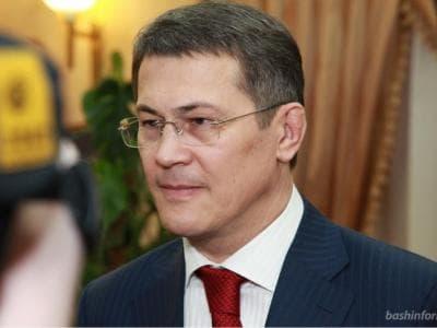 Радий Хабиров наказал депутатам работать в кабинетах, как в прозрачных аквариумах