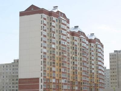 Мэру Уфы Ульфату Мустафину поступает множество жалоб  на некачественный капремонт многоквартирных домов