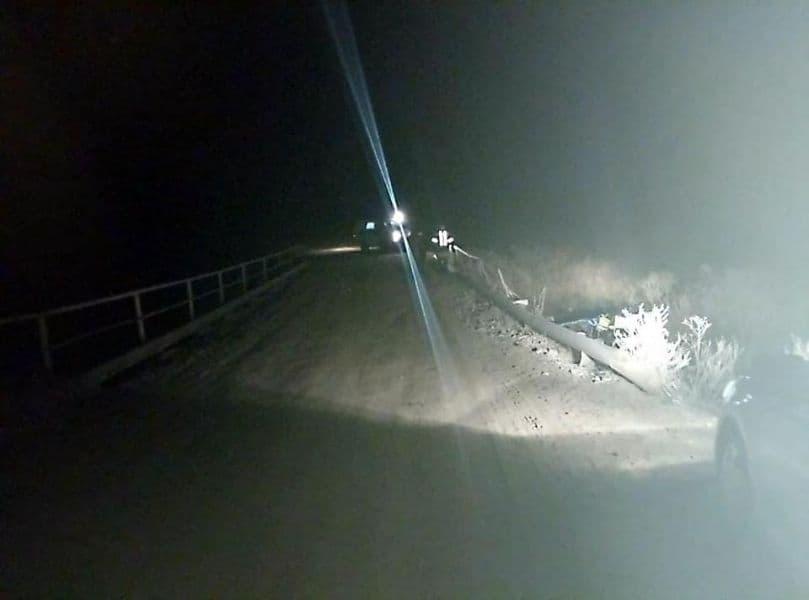В Мишкинском районе авто протаранило ограждение моста и вылетело в кювет: погибли двое