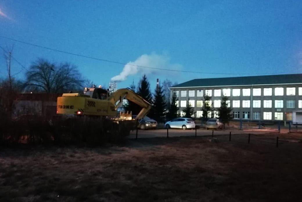 В Туймазах прорыв трубопровода лишил тепла школу и девять многоквартирных домов